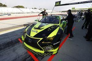 Des membres de l'équipe de #12: Vasser Sullivan Lexus RC F GT3, GTD: Frankie Montecalvo, Zach Veach