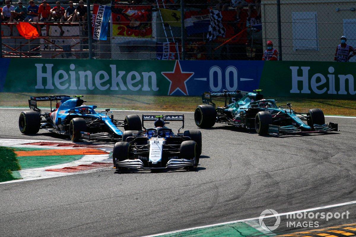 Nicholas Latifi, Williams FW43B, Sebastian Vettel, Aston Martin AMR21, Esteban Ocon, Alpine A521