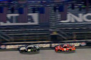 Riley Herbst, Stewart-Haas Racing, Ford Mustang Monster Energy and Myatt Snider, Richard Childress Racing, Chevrolet Camaro Crosley Furniture