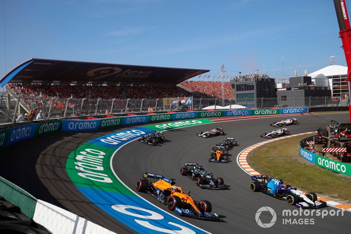 George Russell, Williams FW43B, leadsDaniel Ricciardo, McLaren MCL35M , Lance Stroll, Aston Martin AMR21, Lando Norris, McLaren MCL35M