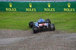 Fernando Alonso, Alpine A521, in the gravel