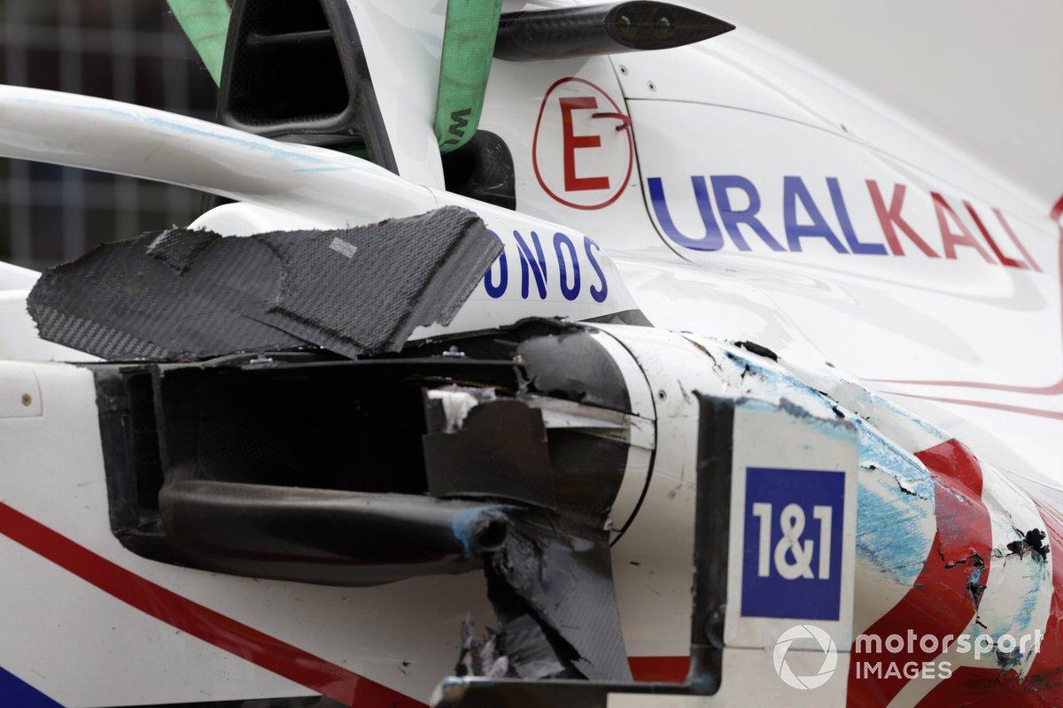 Daños en el coche de Mick Schumacher, Haas VF-21