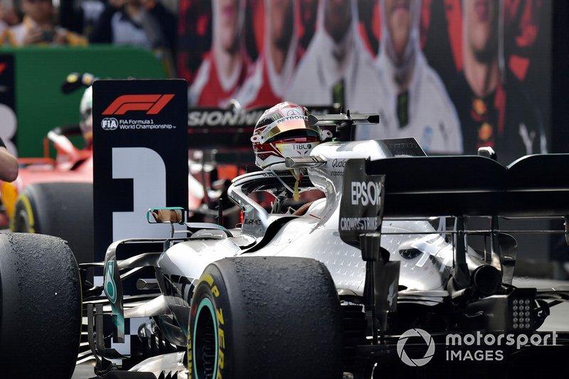 Lewis Hamilton celebra su victoria en China