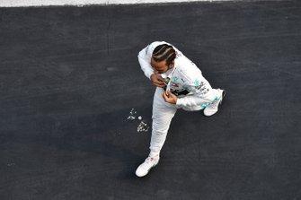 Lewis Hamilton, Mercedes AMG F1, fête sa victoire