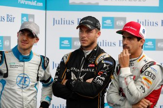 Edoardo Mortara, Venturi Formula E, Andre Lotterer, DS TECHEETAH, Lucas Di Grassi, Audi Sport ABT Schaeffler watch the screen during Super Pole