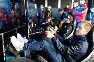 Sam Bird, Envision Virgin Racing takes part in the E-Race