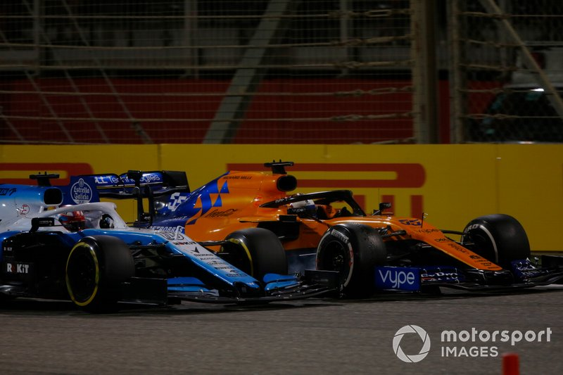 George Russell, Williams Racing FW42, battles with Carlos Sainz Jr., McLaren MCL34