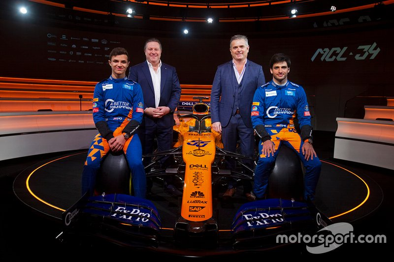 Lando Norris, McLaren, Carlos Sainz Jr., McLaren, Zak Brown, Executive Director, McLaren Racing