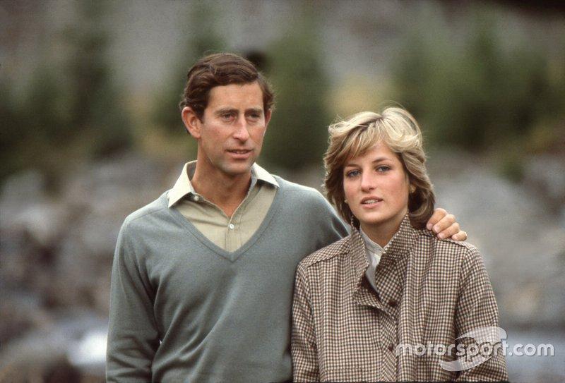 Принц Чарльз и принцесса Диана развелись