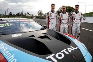 Гонщики Walkenhorst Motorsport Кристиан Крогнес, Ники Катсбург и Миккель Йенсен