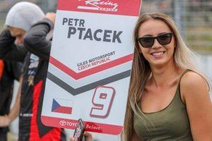 La grid girl de Petr Ptacek