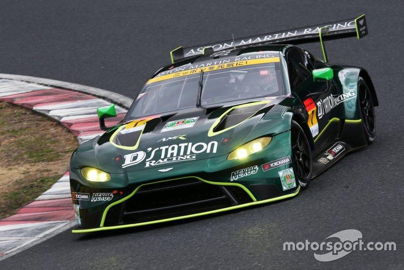 #7 D'station Aston Martin Vantage GT3: Tomonobu Fujii, Joao Paulo de Oliveira