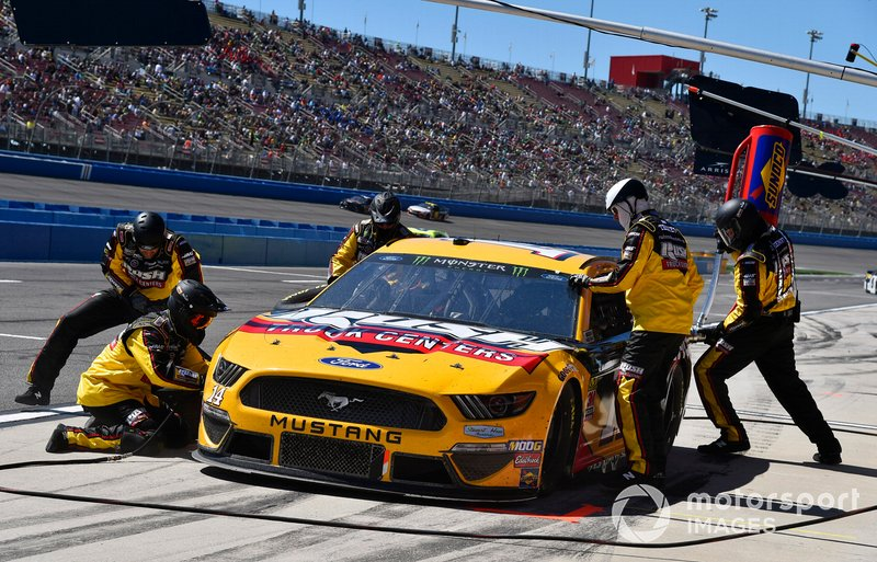 Clint Bowyer, Stewart-Haas Racing, Ford Mustang Rush Truck Centers/Haas Automation