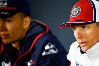 Kimi Raikkonen, Alfa Romeo Racing y Alexander Albon, Toro Rosso