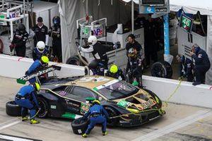 Пит-стоп: Эмануэле Буснелли, Фабио Бабини, Тейлор Прото, EBIMOTORS, Lamborghini Huracan GT3 (№46)