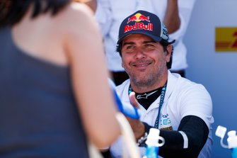 Cacá Bueno, Jaguar Brazil Racing, alla sessione autografi