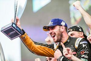 Le vainqueur Jean-Eric Vergne, DS TECHEETAH, fête sa victoire sur le podium