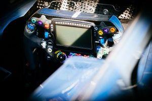 Mercedes AMG F1 W10, dettaglio del volante