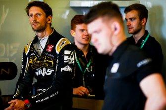Romain Grosjean, Haas F1, in the garage
