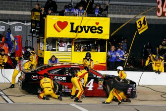 Michael McDowell, Front Row Motorsports, Ford Mustang Dockside Logistics pit stop