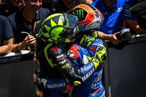 Алекс Ринс, Team Suzuki Ecstar, и Валентино Росси, Yamaha Factory Racing
