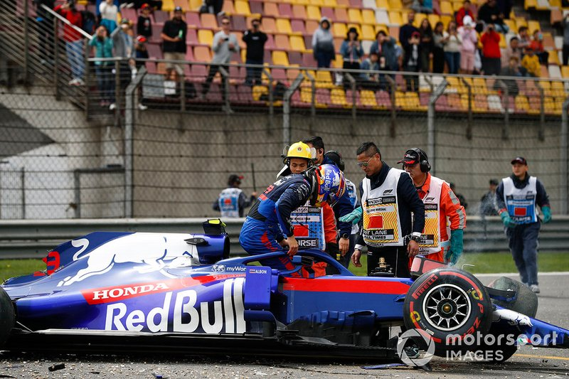 Después del accidente de Alexander Albon, Toro Rosso STR14