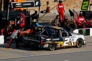 Sheldon Creed, GMS Racing, Chevrolet Silverado Chevy Accessories pit stop