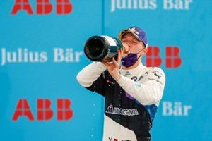 Maximilian Gunther, BMW I Andretti Motorsports celebrates his win on the podium, , 1st position