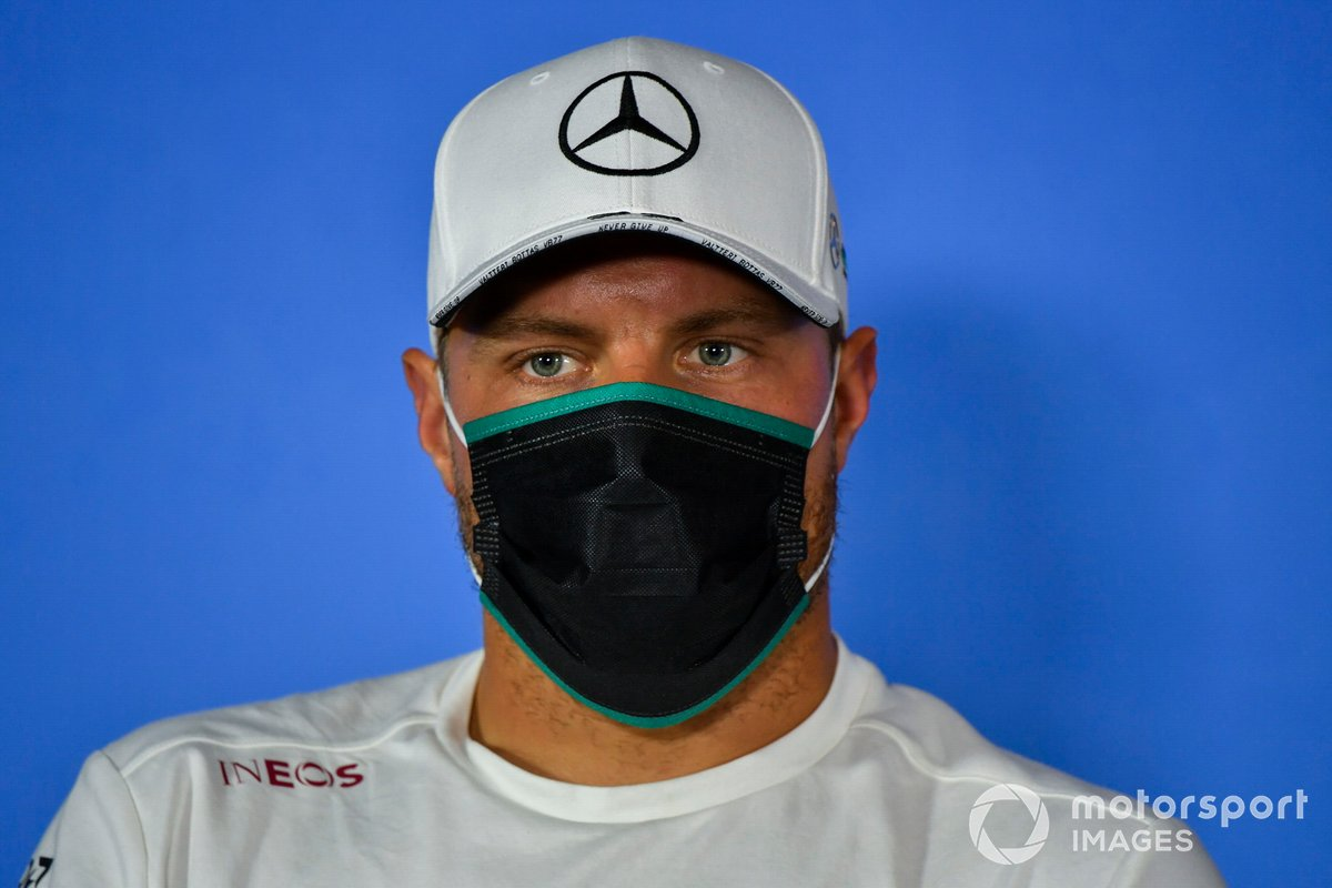 Valtteri Bottas, Mercedes AMG F1 durante la conferenza stampa