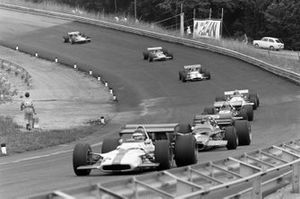 Jackie Oliver, BRM P153, Emerson Fittipaldi, Lotus 49C Ford y Mario Andretti, March 701 Ford