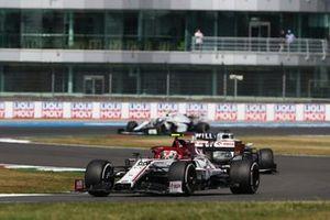 Antonio Giovinazzi, Alfa Romeo Racing C39, George Russell, Williams FW43