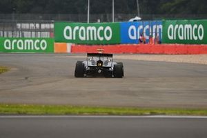 Alexander Smolyar, ART Grand Prix drives with a right-rear puncture