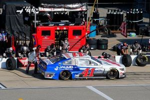 Cole Custer, Stewart-Haas Racing, Ford Mustang HaasTooling.com/Jacob Co pit stop