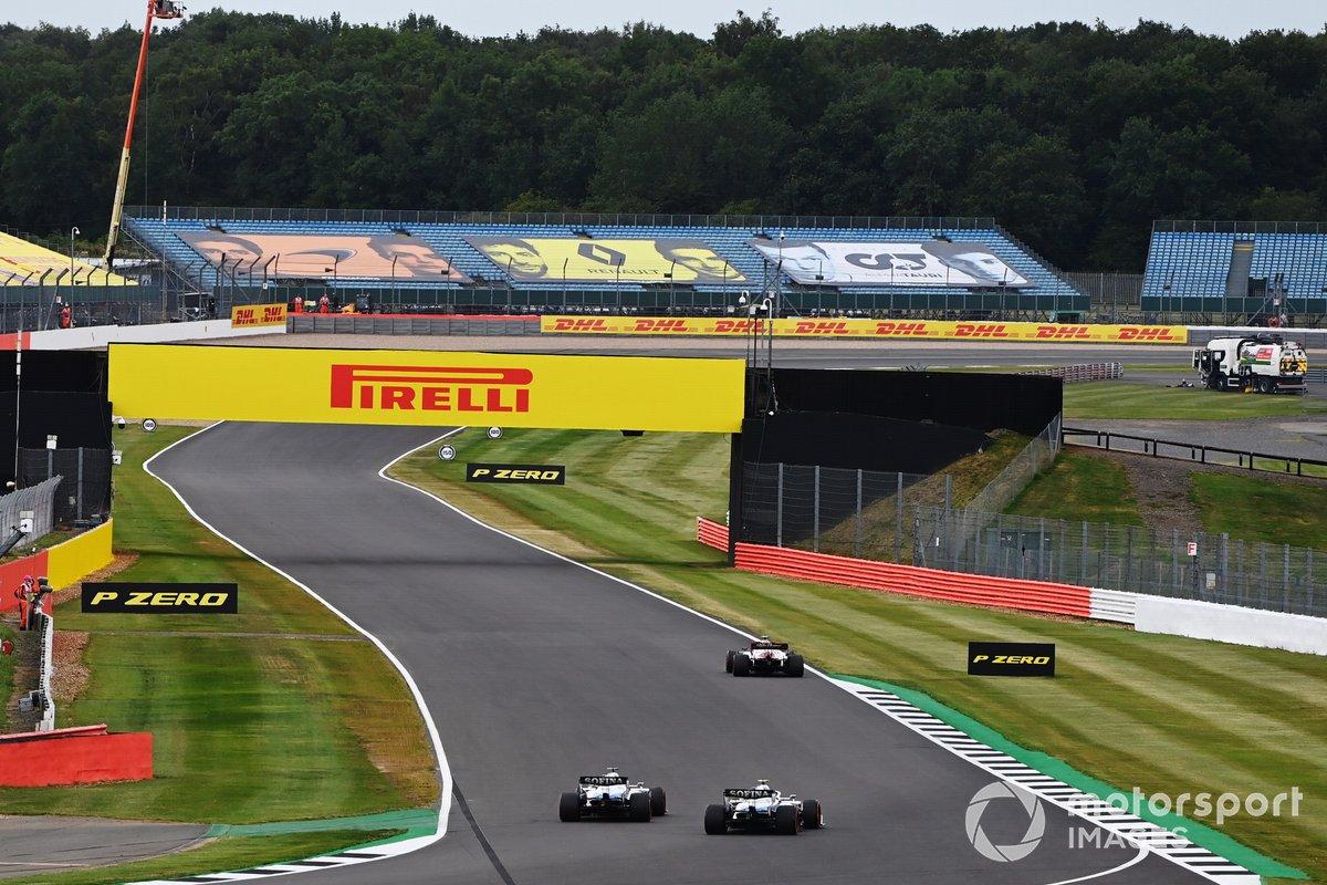 Antonio Giovinazzi, Alfa Romeo Racing C39, George Russell, Williams FW43, Nicholas Latifi, Williams FW43
