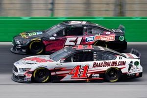 Cole Custer, Stewart-Haas Racing, Ford Mustang HaasTooling.com and Joey Gase, Petty Ware Racing, Ford Mustang
