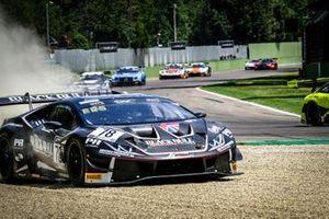 #78 Barwell Motorsport Lamborghini Huracan GT3 Evo: Frederik Schandorff, Alex Macdowall, Patrick Kujala in the gravel