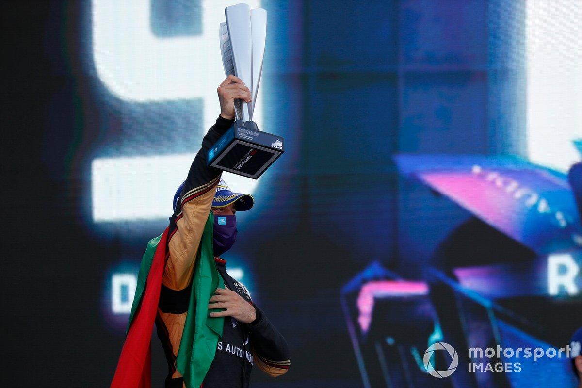Podio: Antonio Felix da Costa, DS Techeetah celebra