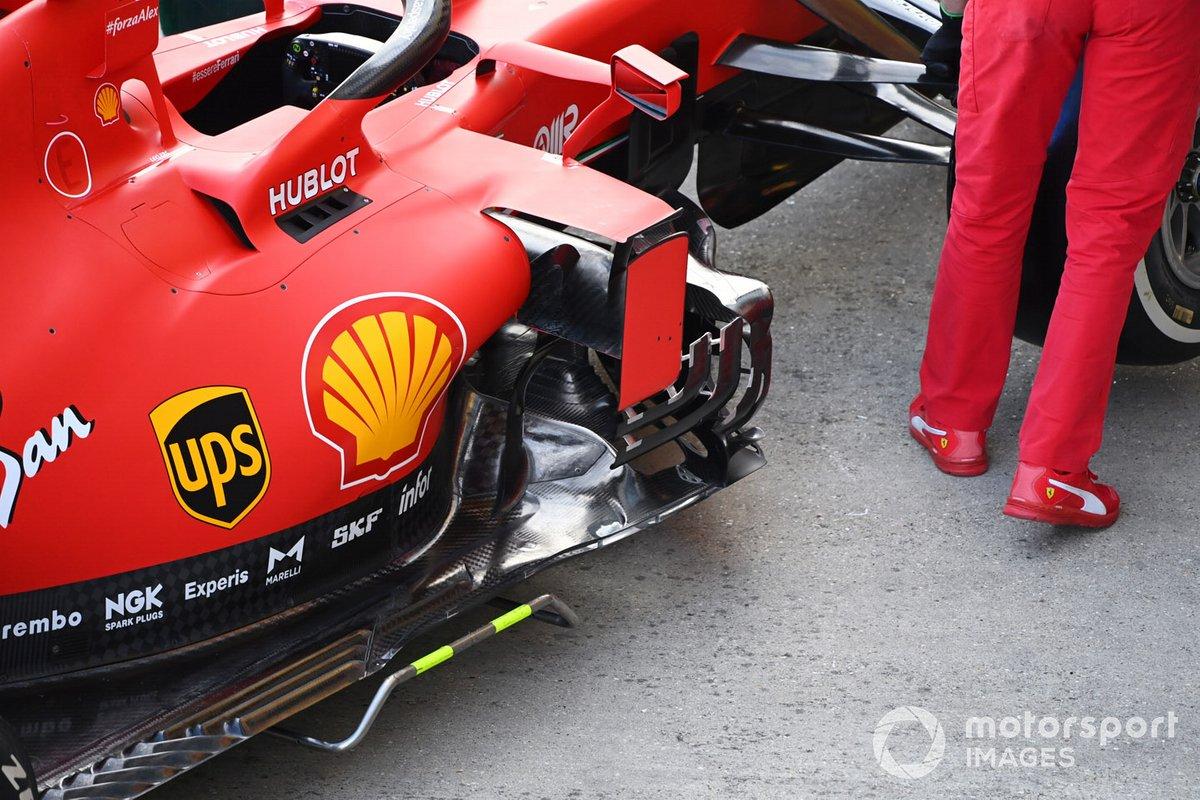 Detalle del pontón del coche de Sebastian Vettel Ferrari SF1000