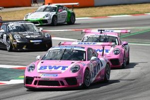 Jaxon Evans, BWT Lechner Racing, leads Dylan Pereira, BWT Lechner Racing, and Florian Latorre, CLRT