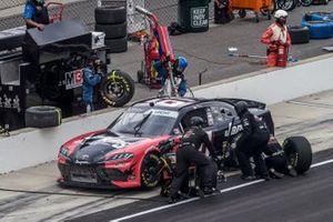 Stephen Leicht, Hattori Racing Enterprises, Toyota Supra JANIKING pit stop