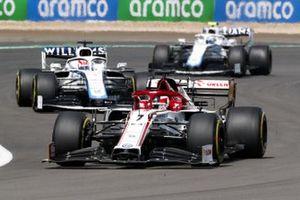 Kimi Raikkonen, Alfa Romeo Racing C39, George Russell, Williams FW43 and Nicholas Latifi, Williams FW43