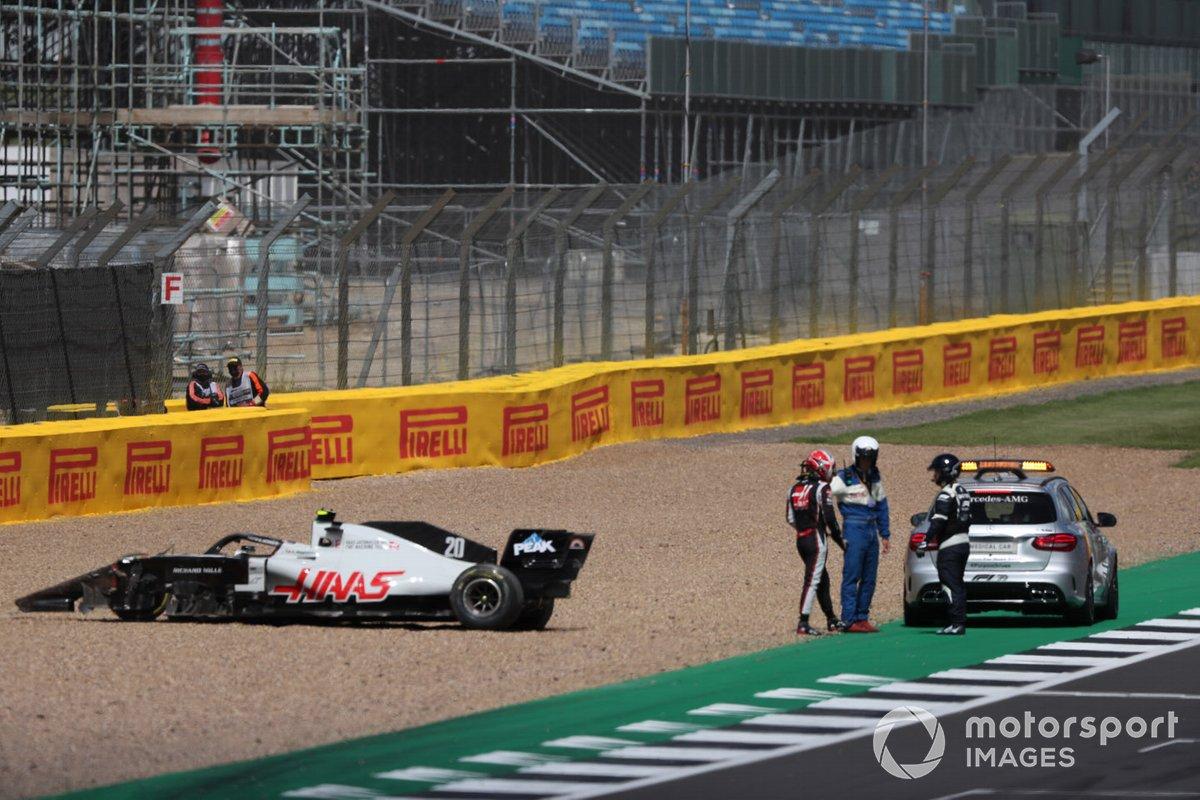 Kevin Magnussen, Haas VF-20 después del choque