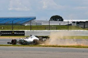 Lewis Hamilton, Mercedes AMG F1 W10, rejoins after a brief trip over the grass