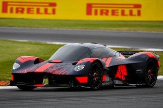 L'Aston Martin Valkyrie en piste pour la première fois