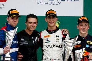 Robert Shwartzman, PREMA Racing, Leonardo Pulcini, Hitech Grand Prix y Liam Lawson, MP Motorsport