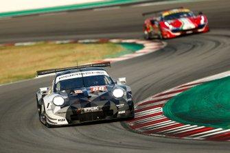 #88 Dempsey-Proton Racing Porsche 911 RSR: Thomas Preining, Adrien De Leener