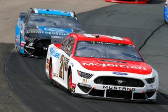 Paul Menard, Wood Brothers Racing, Ford Mustang Motorcraft / Quick Lane Tire & Auto Center, David Ragan, Front Row Motorsports, Ford Mustang Compressor World