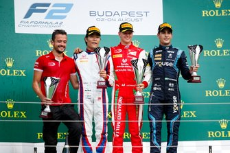 Nobuharu Matsushita, Carlin, Race winner Mick Schumacher, Prema Racing and Sergio Sette Camara, Dams on the podium with the trophy
