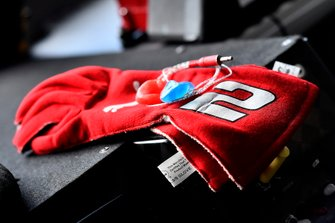 Brad Keselowski, Team Penske, Ford Mustang Wurth gloves
