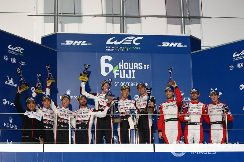 Podium: Race winner #8 Toyota Gazoo Racing Toyota TS050 - Hybrid: Sébastien Buemi, Kazuki Nakajima, Brendon Hartley, second place #7 Toyota Gazoo Racing Toyota TS050 - Hybrid: Mike Conway, Kamui Kobayashi, Jose Maria Lopez, third place #1 Rebellion Racing Rebellion R13 - Gibson: Bruno Senna, Gustavo Menezes, Norman Nato